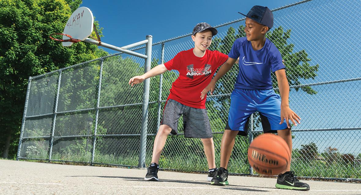 4 conseils pour choisir les bonnes chaussures sport enfant   Sports ... 4ca1b513c73d